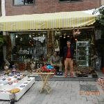 negozio di ceramica dove acquistare benissimo. si trova sul viale della mosche blu