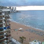 Utsikt fra hotellrommet i dagslys