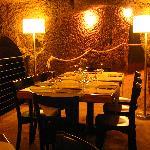 La sala interna in grotte di origine etrusca