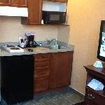 second floor standard room: kitchenette