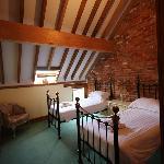 Estuary Barn (sleeps 4) Twin Room