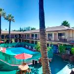 Court Yard Hotel