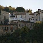 La Locanda e il Borgo medievale
