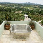 the beautiful tub with view