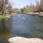 rio a 50 metros de la hosteria