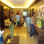 at hoyohoy high land park hotel