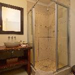 Superior Room with lagoon view bathroom