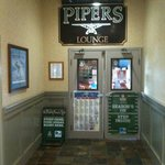 entrance to Pipers Lounge
