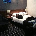 Habitacion de matrimonio con sofa cama
