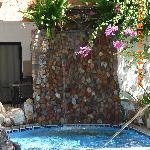 cascada de la piscina