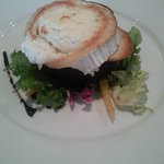 Goat's cheese salad with black pudding and balsamic glaze