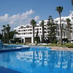 Garden, swimming pool 50 meters from sea