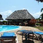 Pool und Restaurantbereich
