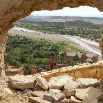 finestra naturale sulla Kasba di Ait Benhaddou