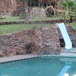 la piscina e il nostro cottage