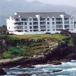 45 Marine Drive has the perfect position on the edge of the sea and yet the centre of Hermanus i