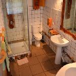 ensuite double bathroom