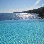 Infinity pool with view of Portofino
