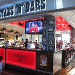 صورة فوتوغرافية لـ Stars N Bars