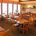 Dining Room, Residence Inn Toronto Airport