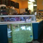 Foto de Truly Scrumptious Ice Cream Cafe