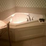 Whirlpool Tub!