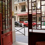 Photo de HotelHome Paris 16