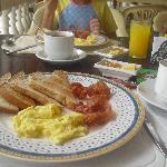 free a la carte american breakfast