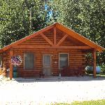Cedar Cabin - Sleeps 8 - Fishing Theme