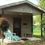 Oak Camping Cabin - Sleeps 2 - Queen Bed