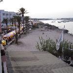 la vista dal terrazzo: passeggiata di Es Pujols
