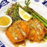 crab cakes with honey mustard