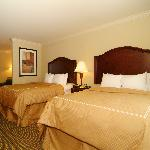Suite with 2 Queen Size Beds