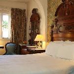 Monterey Intimate Room