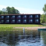Lakefront Motel Rooms with Kitchenettes