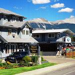 羅伯森山旅館