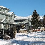 Mount Robson Inn Winter