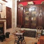 Hanania Hotel Romantic Suite's lounge