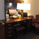 部屋の家具も中華風で雰囲気があります。