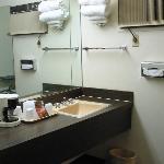 sink Robinhood motel Raton Nm 11-2011