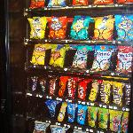 CANDY/CHIPS/VENDING MACHINE