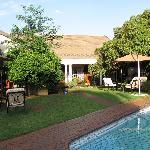 Blick in den Garten / Pool