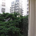 Вид из окна номера на 6-ом этаже