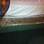 Mattress and lack of boxspring cover