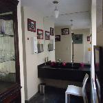 One fo the restrooms in the reception floor/ Lavabo no andar da recepção/ Baño