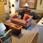 Apple Bin Inn living room