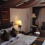 honeymooner room