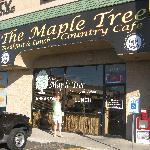 Foto van The Maple Tree Cafe