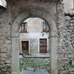 gli antichi borghi nei pressi della casa