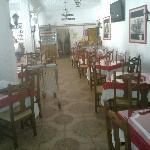 Salon interior durante un almuerzo privado